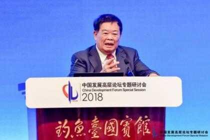 曹德旺:美国要恢复制造业大国没那么容易